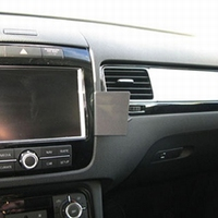 Brodit angled mount v. VW Touareg 11-