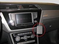 Brodit angled mount v. VW Touran 16-