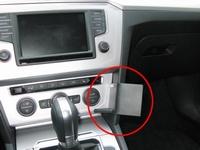 Brodit angled mount v. VW Passat 15- en Passat Alltrack 16-
